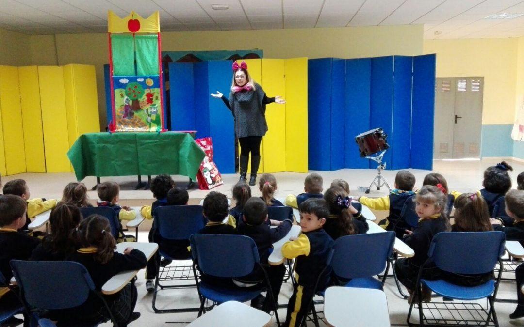 Caperucita Roja: Teatro con los alumnos de 3 años